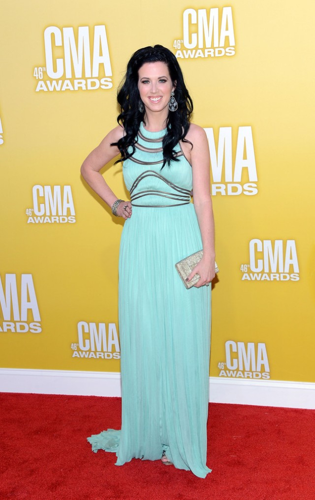 Shawna Thompson CMA's 2012, shawna thompson, 2012 cma red carpet