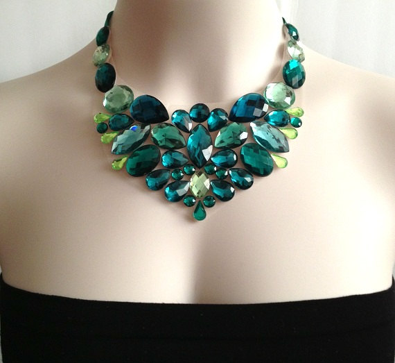 Necklace-handmade-emerald